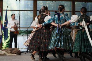 A Kis Sendergő és a Sendergő Néptáncegyüttes műsora a XXXIX. Honti Kulturális napokon